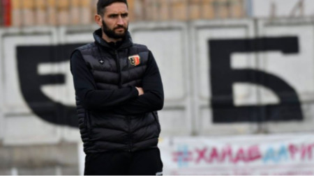 Александър Тунчев дебютира със загуба в контрола начело на Локомотив (Пловдив).