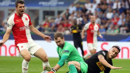 Вратарят на Славия Коларж вероятно ще пази срещу Англия.