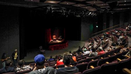 На театър в Буенос Айрес, 17 ноември 2020 г.