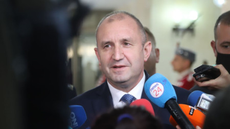 Румен Радев присъства на годишния анализ за състоянието на армията.