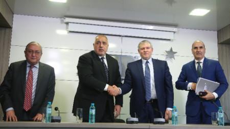 СДС ще получи сигурни места в листата, заяви Бойко Борисов след разговор с Румен Христов.