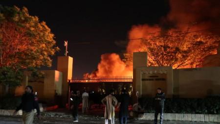 Бомбата избухна на паркинга на луксозен хотел в Куета, столица на пакистанската провинция Белуджистан на 21 април 2021