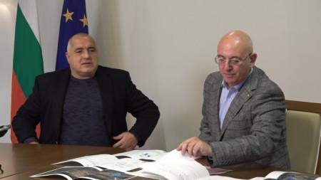 Министър Емил Димитров докладва на премиера Бойко Борисов