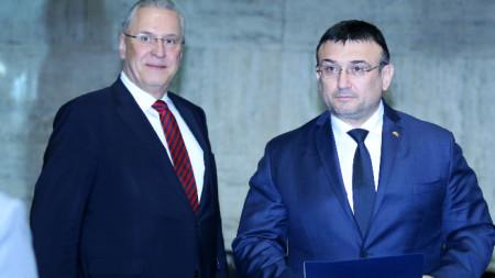 Младен Маринов разговаря днес с баварския си колега Йоахим Херман.