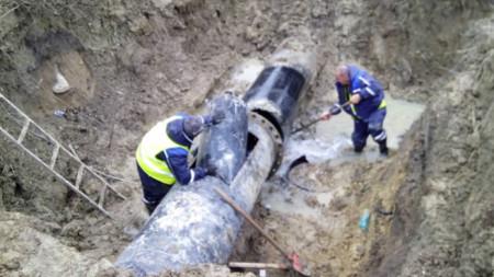 През последните дни от сегашния водопровод са отстранени общо 33 аварии.