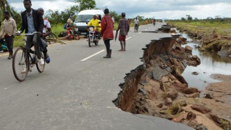 Циклонът Идай причини огромни наводнения и разрушения в Мозамбик, Зимбабве и Малави.