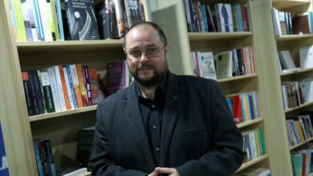 Светлозар Желев в книжарница