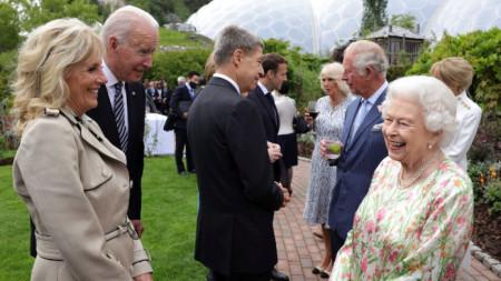 Джил и Джо Байдън по време на срещата им с кралицата
