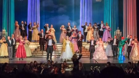 Новогодишен оперетен бал архив: Музикален театър
