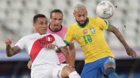 Неймар трудно можеше да бъде спрян от играчите на Перу