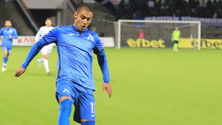 Здравко Димитров се отличи с гол и асистенция за Левски.