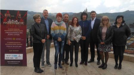 """С постановката """"Лебедово езеро"""" руските артисти ще се представят в летния оперен фестивал """"Сцена на вековете"""" в крепостта """"Царевец""""."""