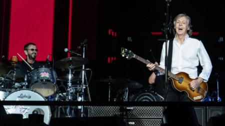 Ринго Стар на концерт с Пол Маккартни.
