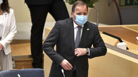Премиерът и лидер на социалдемократите Стефан Льовен в парламента на Швеция преди вота на недоверие.