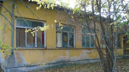 Бившата учебна работилница в Ново село