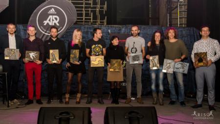 Организатори и част от наградените