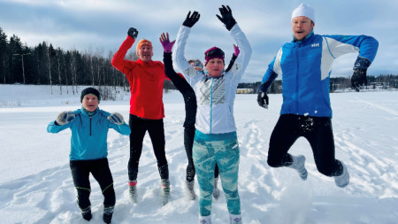 Недостиг на вълнени чорапи няма, защото много финландци се посветиха на плетене в изолацията