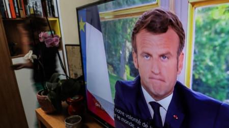 Телевизионно обръщение на Еманюел Макрон към французите