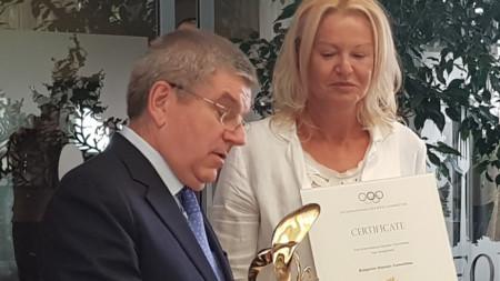 Томас Бах (президент на МОК) и Стефка Костадинова (президент на БОК)