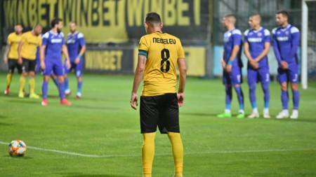 Тодор Неделев и компания излизат срещу Славия за място в Лига Европа