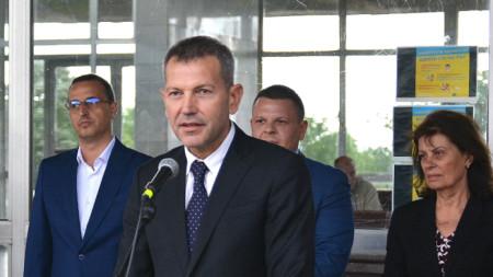 Служебният министър на транспорта, информационните технологии и съобщенията Георги Тодоров по време на старта на модернизацията на железопътен участък Оризово-Михайлово.