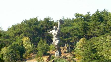 Споменик Септембарском устанку – Маглиж