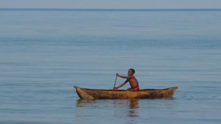 Езерото Малави е дълго 365 мили и широко 52 мили