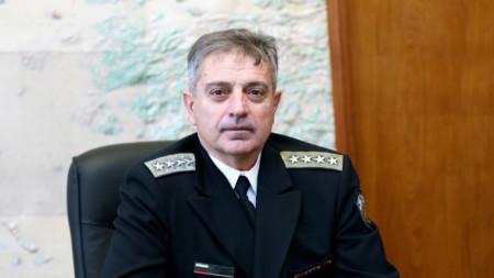 Адм. Емил Ефтимов