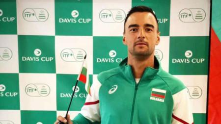 Димитър Кузманов се завърна на корта с победа.