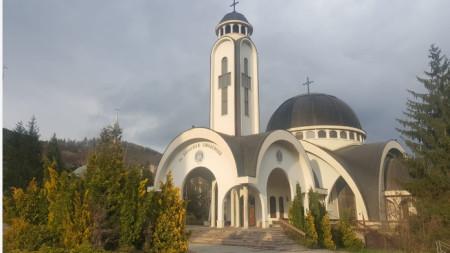 "Храм ""Св. Висарион Смоленски"" в Смолян."