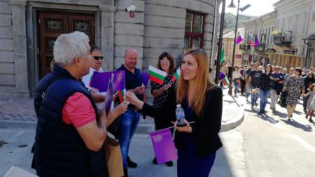 Министърът на културата Николина Ангелкова се включи в отбелязването на Деня на независимостта във Велико Търново.