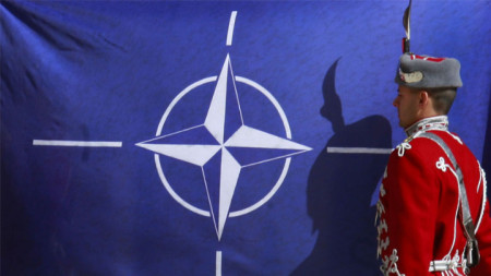 България е член на НАТО от 29 март 2004 година
