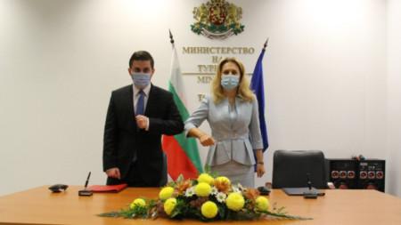 Министрите Цакай и Николова