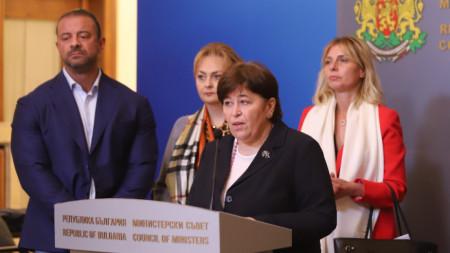 Парите отделени за туризъм в актуализирания бюджет да бъдат използвани за стимулиране на ваксинационния процес в страната и да постигнем необходимото ниво на ваксинирани, каза служебният министър на туризма Стела Балтова