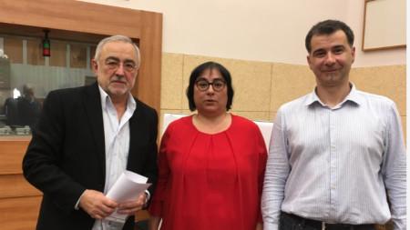 Мариус Донкин (л), Диана Янкулова и Явор Стаматов (д)