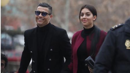 Роналдо и Джорджина са в полезрението на полицията.