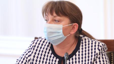 Министър Деница Сачева