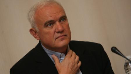 Проф. Стефан Петранов