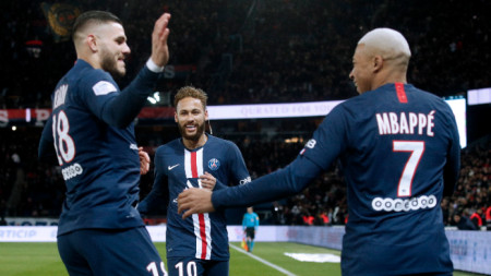 Мбапе (вдясно) вкара два гола.