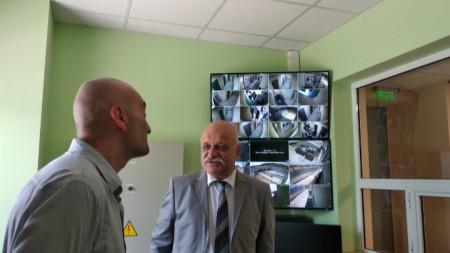 Зам.-министърът на правосъдието Николай Проданов присъства на откриването на новия арест в Сливен.