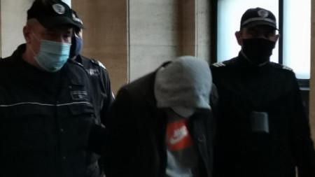 Водят обвинения полк. Петър Петров за гледане на мярката му за неотклонение в Софийския военно-апелативен съд.