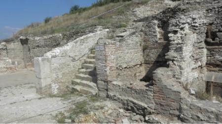Археолози, работещи в пределите на древното селище Хераклея Синтика ще участват във видео мост с