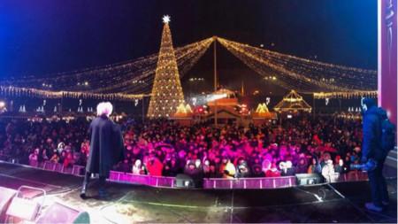 Празнична е атмосферата не само в столицата Букурещ, за това допринасят и музикантите
