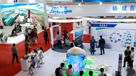 Умален модел на китайския ядрен реактор от трето поколение Hualong One