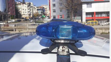 Очаква се засилено присъствие на полиция по пътищата на страната и около местата, където младите хора ще празнуват.