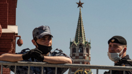 Полицаи край Кремъл, 18 юни 2021 г.