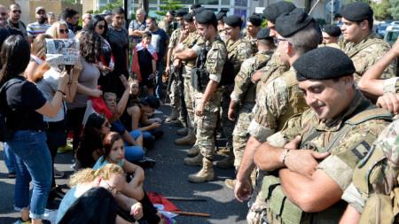 Протестите в Ливан продължават шести ден