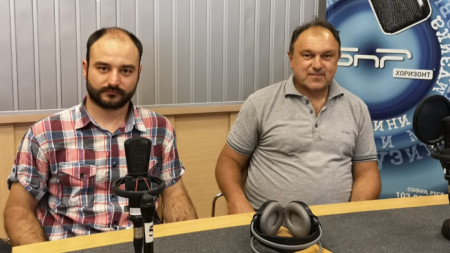 Доц. Павел Павлов (вдясно) и богословът Кирил Георгиев