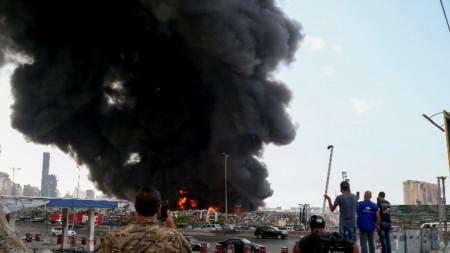 Пожар на пристанището в Бейрут
