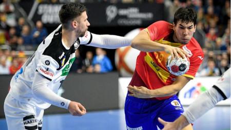 Момент от мача между Германия и Испания.